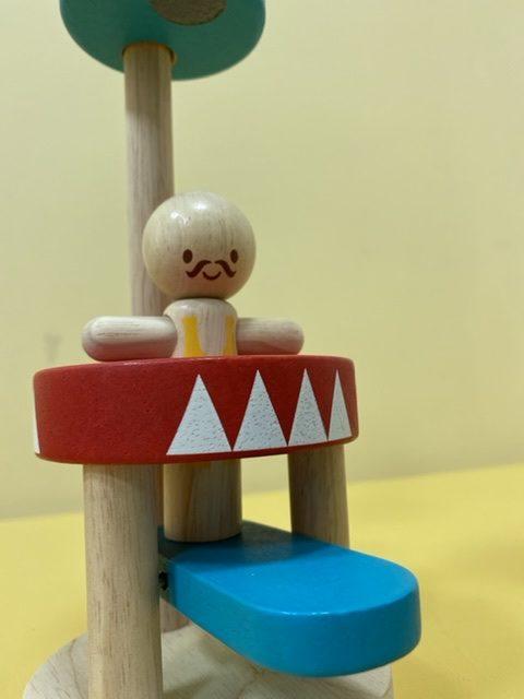 日本の木製玩具デザイナー松島洋一さんの考案